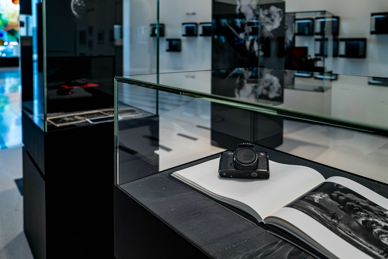 Leica R6 von Sebastiao Salgado in der Ausstellung Leica Spktakulär