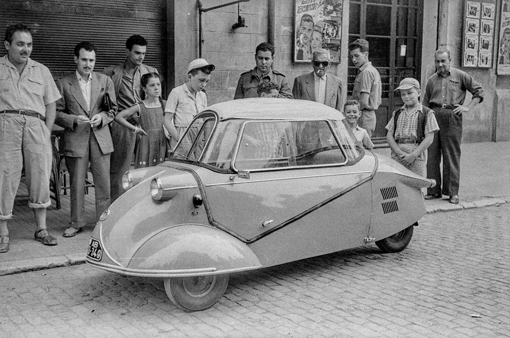 Automobil Triauto. Zur Ausstellung Blue Skies, Red Panic: Die 1950er Jahre in Europa